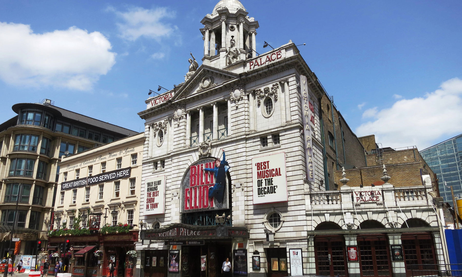 Victoria Palace Theatre (2)
